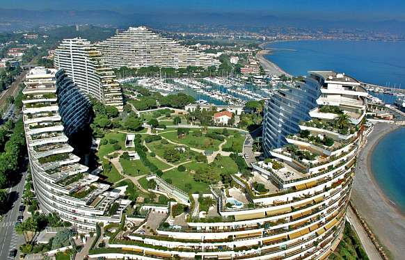 Sale apartment in Marina Baie des Anges