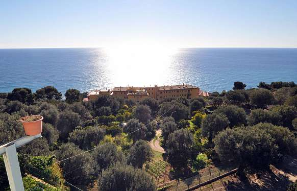 House under renovation to sell at Cap d'Ail