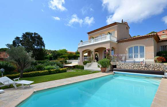 Provencal sea view villa to rent in Villefranche-sur-Mer