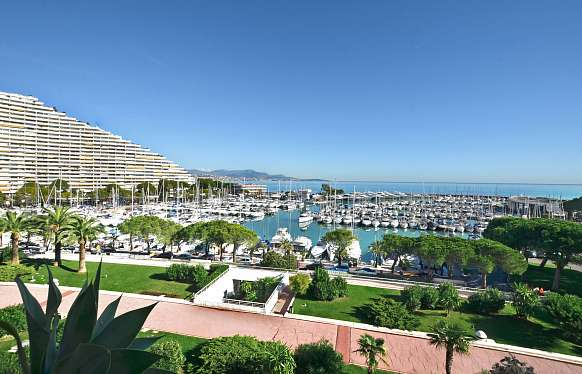 Comfortable apartment to sell at Marina Baie des Anges Villeneuve Loubet