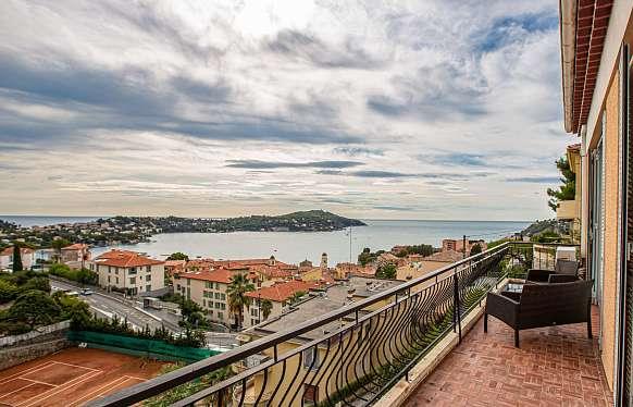House in Villefranche-sur-Mer with Cap Ferrat view