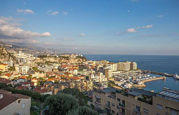 Sale apartment in Cap d´Ail, 10 minutes walking to Monaco