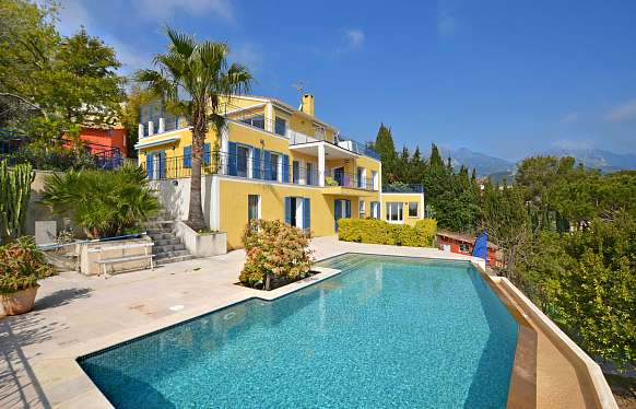 Spacious villa to sell at Roquebrune-Cap-Martin