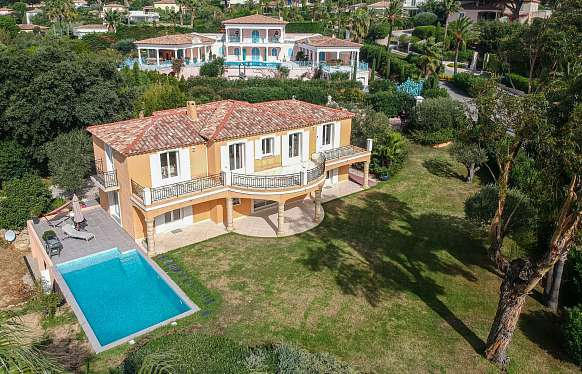 Villa for sale in Grimaud in walking distance to the sea