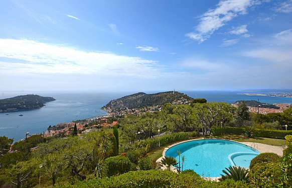 Apartment with a panoramic sea view to sell at Villefranche-sur-Mer