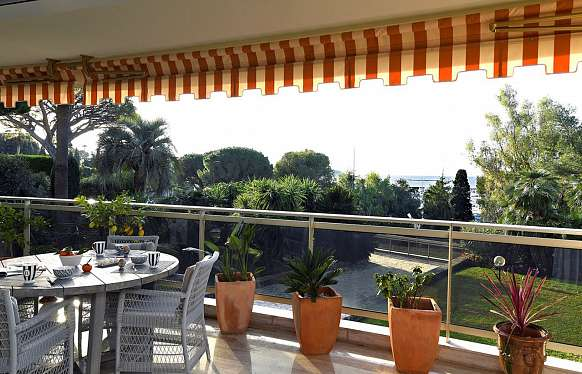 Apartment close to the sea in Cap d'Antibes