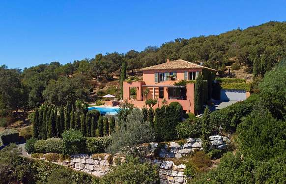 Sea view villa of 320 m² for sale in Saint Tropez