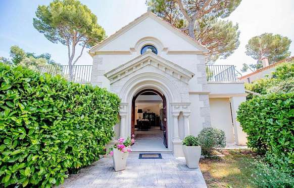 Rent house close to beach in Cap d'Antibes