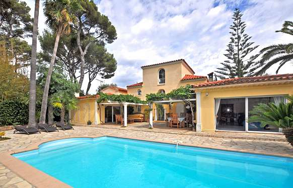 Villa with swimming pool at Cap d'Antibes