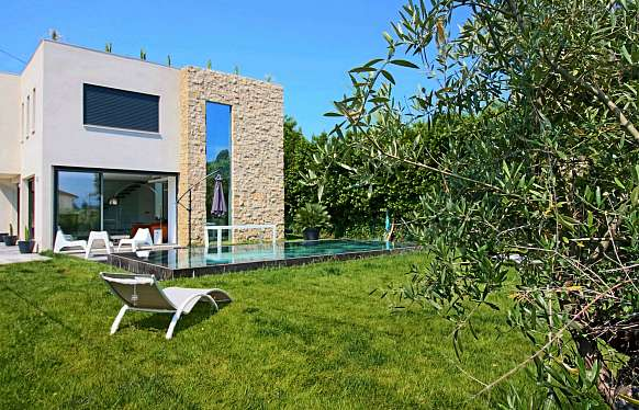 House close to the beach Salis in Cap d'Antibes